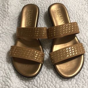 Women's Size 7 Italian Shoemakers Gold Sandals